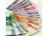 oferă împrumuturi între persoane fizice grave și libere.