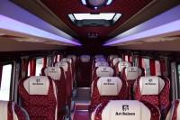 Transport persoane cu microbuze si autocare