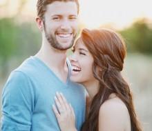 couple-1198290_960_720